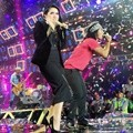 Syahrini dan Slank Bawakan Lagu 'I Miss You But I Hate You'