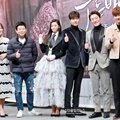 Pemeran Utama Drama 'Legend of the Blue Sea' Foto Bersama