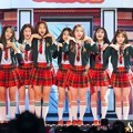 IOI Nyanyikan Lagu 'Very Very Very' di MelOn Music Awards 2016