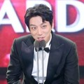 Hwang Chi Yeul Raih Piala 2016 New Wave Award