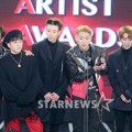 Block B Raih Piala Best Star Award