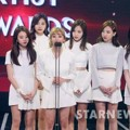 Twice Raih Piala Best Artist Award