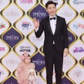 Ki Tae Young Bersama Putri Kecilnya Rohee di Red Carpet KBS Entertainment Awards 2016