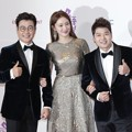 Kim Sung Joo, Lee Sung Kyung dan Jun Hyun Moo di Red Carpet MBC Entertainment Awards 2016