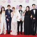 3 Pasangan 'We Got Married' Tampil Serasi di Red Carpet MBC Entertainment Awards 2016