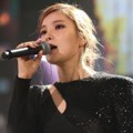 Gummy Nyanyikan Lagu 'You Are My Everything' di Hari Pertama Golden Disk Awards 2017