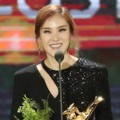 Gummy Raih Piala Best OST