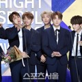 Bangtan Boys Raih Piala Best Album Award