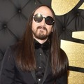 Steve Aoki di Red Carpet Grammy Awards 2017