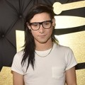 Skrillex di Red Carpet Grammy Awards 2017