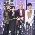 EXO Raih Piala Artist of Fan Choice – Group