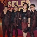 Project Pop Hadir di Seleb on News Awards 2017