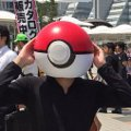 Cosplay Pokeball dan Poke-stop dari Game Pokemon GO