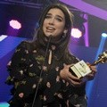 Dua Lipa Raih Penghargaan Khusus Young and Promising Award di SCTV Music Awards 2017
