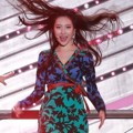 Sunmi eks Wonder Girls tampil solo membawakan 'Gashina' di Incheon K-Pop Concert 2017.