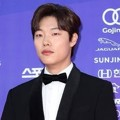 Ryu Jun Yeol di Red Carpet Seoul Awards 2017