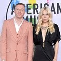 Macklemore dan Skylar Grey hadir di American Music Awards 2017