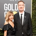 David Thewlis hadir bersama istri di Red Carpet Golden Globe Awards 2018.
