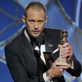 Alexander Skarsgard Raih Piala Best supporting actor in a series, limited series or TV film