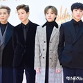 Para personel Winner tampil super ganteng di red carpet Golden Disc Awards 2018.