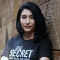 Tyas Mirasih di Konferensi Pers Film 'The Secret-Suster Ngesot Urban Legend'