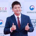 Jun Hyun Moo di Red Carpet Korean Popular Culture And Art Awards 2018