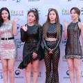 Red Velvet di Red Carpet Korean Popular Culture And Art Awards 2018
