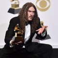 Weird Al Yankovic Raih Piala Best Boxed or Special Limited Edition Package