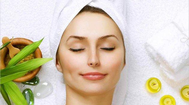 Tampil Cantik 12 Masker Alami Ampuh Memutihkan Wajah Anda