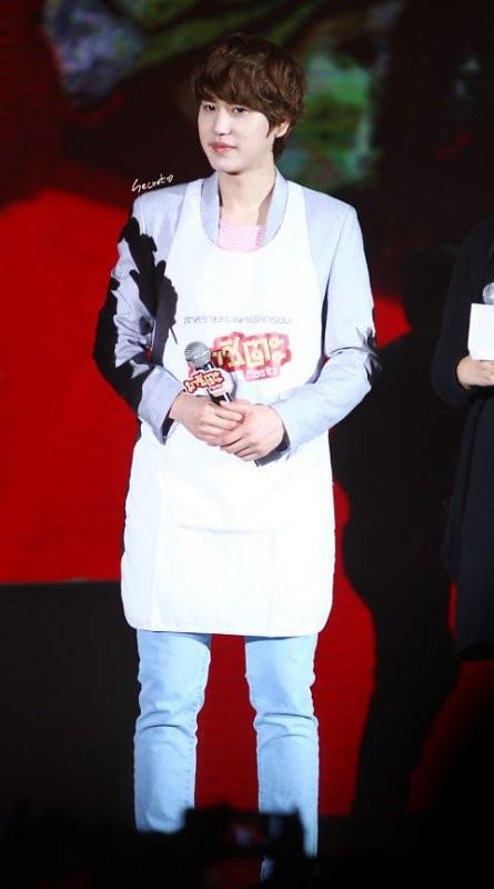 http://www.wowkeren.com/images/news/120525-kyuhyun-super-junior-kencan-dengan-fans-di-thailand-02.jpg