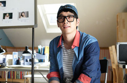 Foto-Foto Chansung 2PM Syuting Film 'Red Carpet' Dirilis