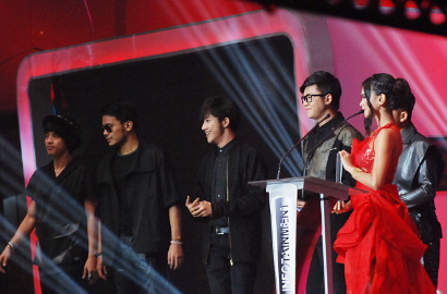 Kolaborasi SM*SH - Cherry Belle di Infotainment Awards Sekeren Idol K-Pop