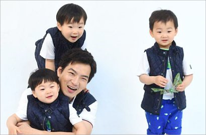 Imutnya Triplet Jadi Ballerino Cilik di 'Superman is Back'