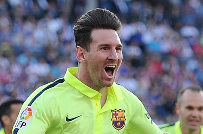 angkat trofi liga spanyol 2015 messi akui barca masih haus gelar juara kabar berita artikel. Black Bedroom Furniture Sets. Home Design Ideas