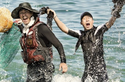 Ribetnya Cha Seung Won dan Yoo Hae Jin Lawan Badai di 'Three Meals-Fishing Village'