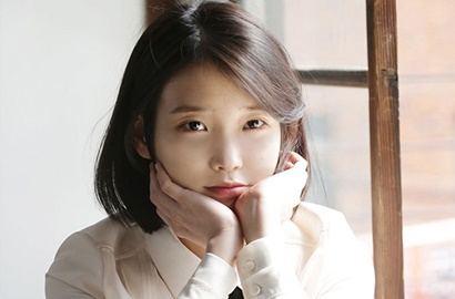Sukses Rilis 'Through the Night', IU Posting Deretan Foto Cantik Ini
