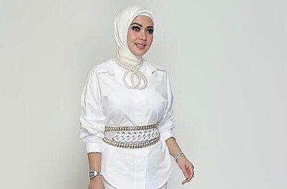 Lepas Hijab Usai Umrah, Syahrini Pede Tampil Kece Pakai Celana Sobek-Sobek