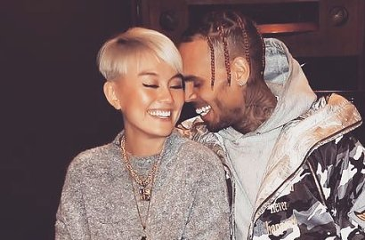 Kejutkan Fans, Agnez Mo Pamer Album Chris Brown dan Single Duet 'On Purpose'