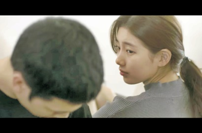 Awas Cemburu, Suzy Ciuman Mesra di Teaser MV 'In Love with Someone Else'