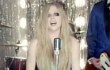 Avril Lavigne Nikmati Serunya Prom Night di Video Klip Terbaru