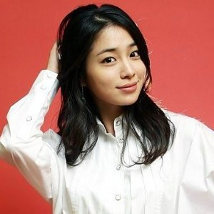 Lee Min Jung Profile Photo