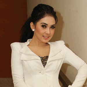 Syahrini Profile Photo