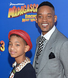 Foto Willow Smith 'Topless' Dikecam Netter