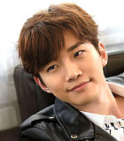 Junho 2PM Sangar Bawa Pedang di Foto 'Memories of the Sword'