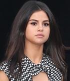 Pakai Bikini, Selena Gomez Buat The Weeknd Terpesona