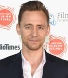 Tom Hiddleston Batal Jadi James Bond Karena Taylor Swift?
