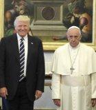 Beredar Meme Keluarga Donald Trump di Vatikan